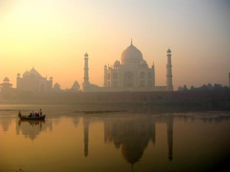 Taj_Mahal_reflection_on_Yamuna_river,_Agra