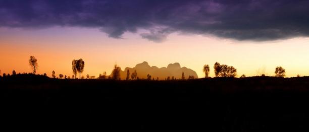 'On the Horizon', Uluru Kata-Tjuta National Park.  Chris Ford (www.ChrisFord.com). BY-NC CC 2.0.